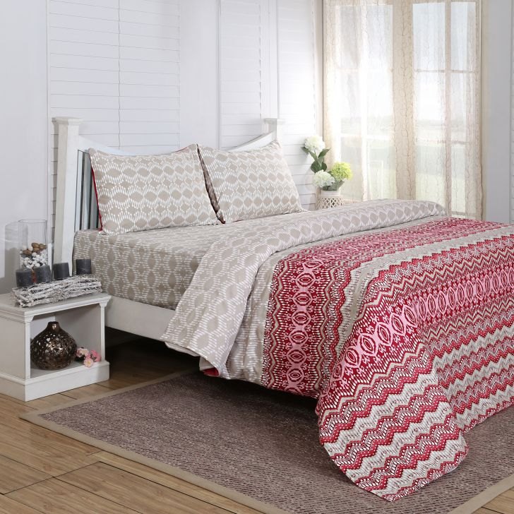 Maspar 210 TC Myriad Print Cotton Red King Bedsheet with 2 Pillow Covers
