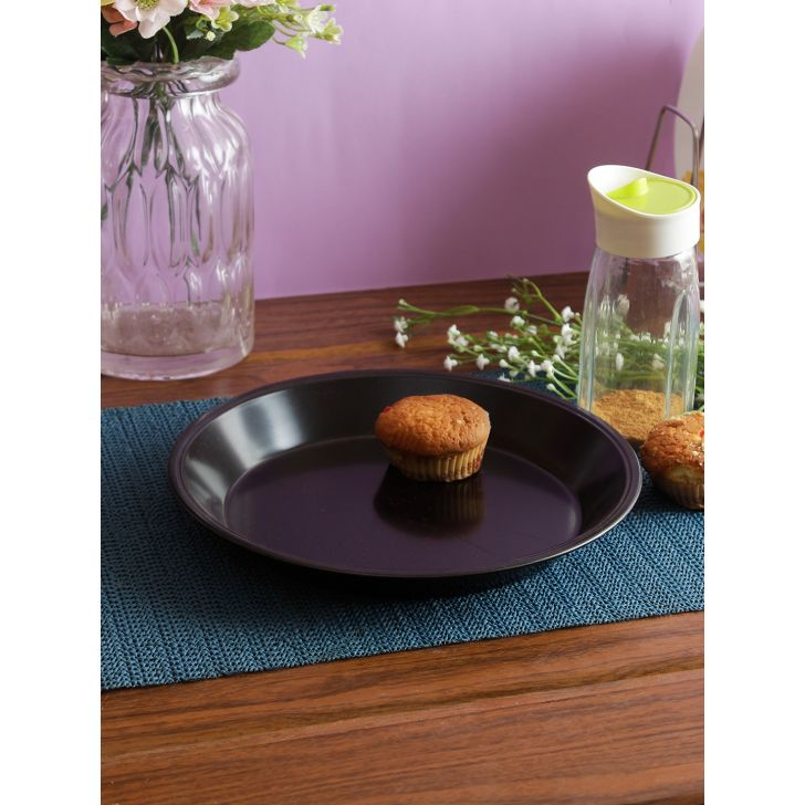 Carbon Steel Round Cake Pan 22 Cm in Black Colour by Bergner