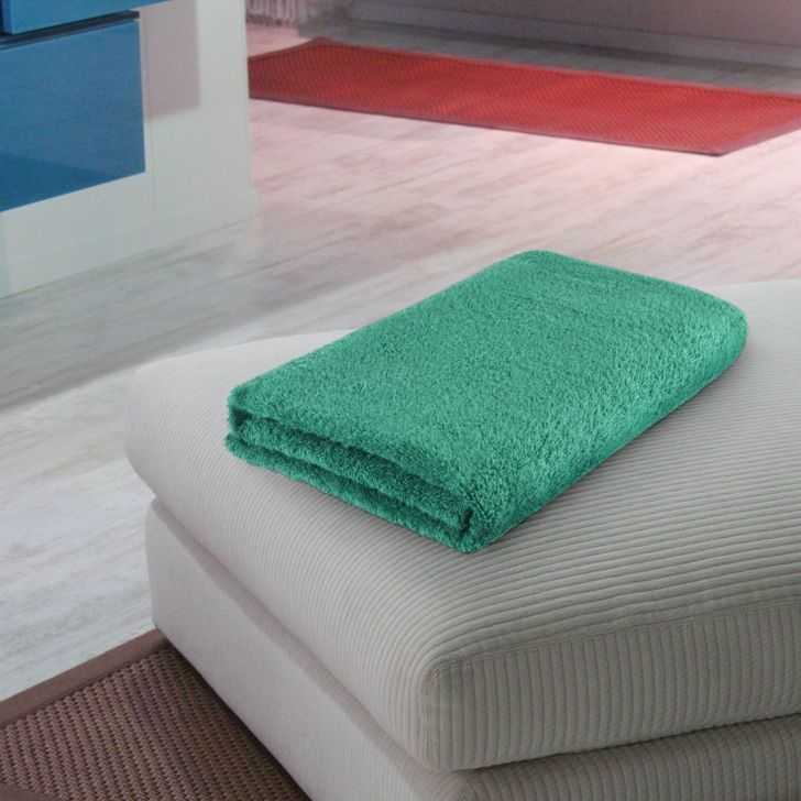 Fiesta Quickdry Cotton Bath Towels in Teal Colour by Living Essence