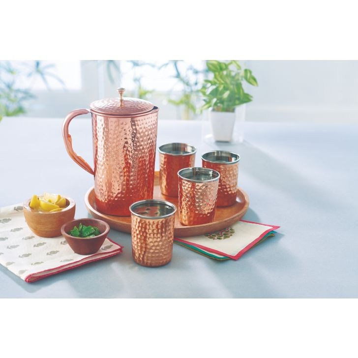 LE Hammerred Copper Jug & tumblersetof 5 Copper Glasses & Tumblers in Copper Colour by Living Essence