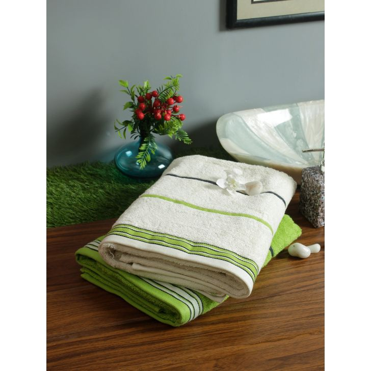 Set of 2 Emilia Cotton Bath Towels in Offwhite Lime Colour by Living Essence