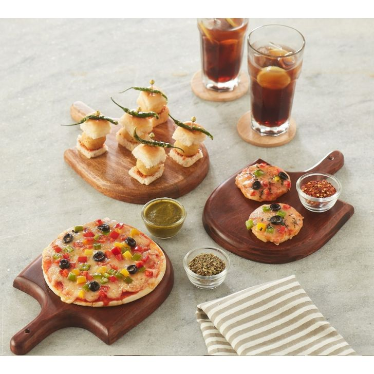 Mini Pizza Paddle Serving Sets in Natural Wood Colour by Songbird