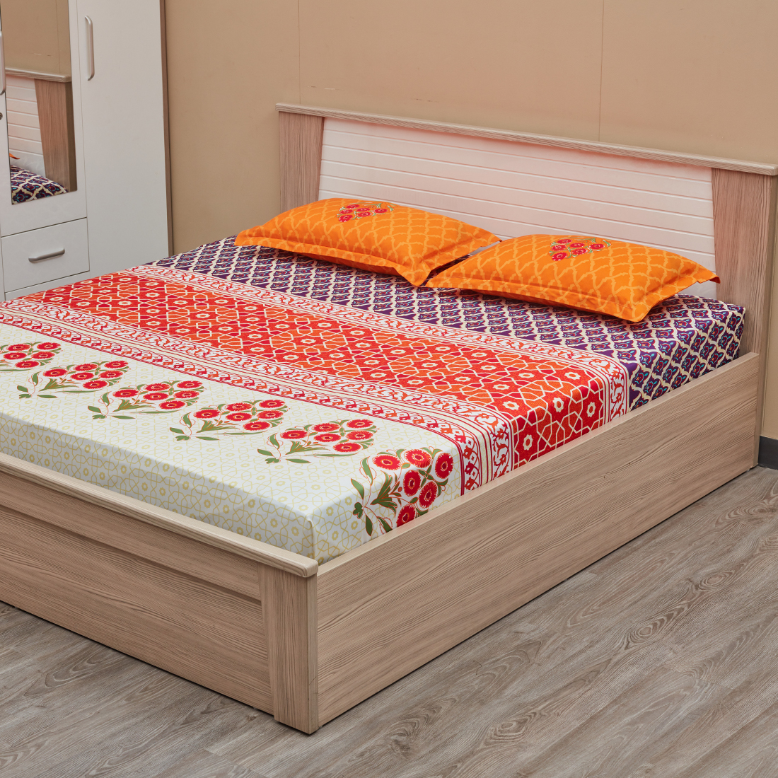 Casablanca Double Bedsheet Red And Lavender Floral Cotton Double Bed Sheets in Multicolor Colour by Portico