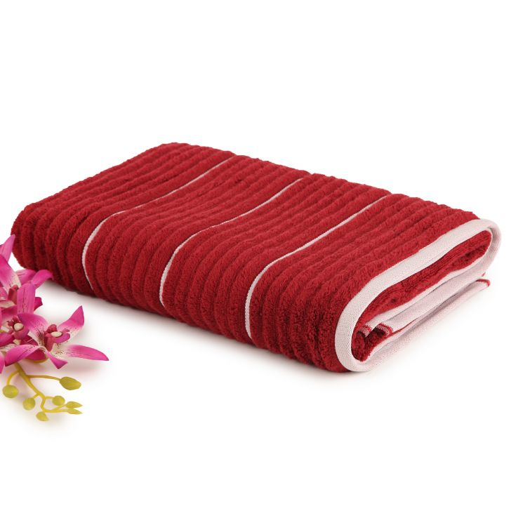 Spaces Exotica Garnet And Ivory Cotton Bath Towel