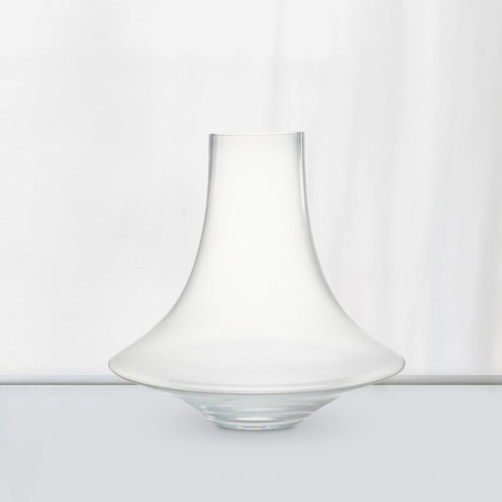 Nile Modern Curved Glass Vase 30 Cm Glass Vases in CLEAR Colour by Living Essence