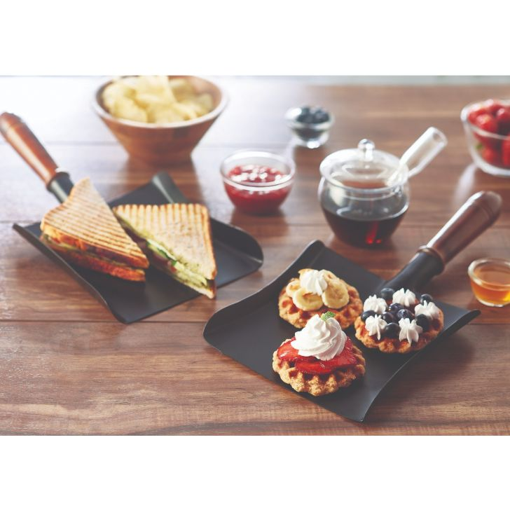 Songbird Snack Shovel Black Metal Serving Sets in Black Colour by Songbird