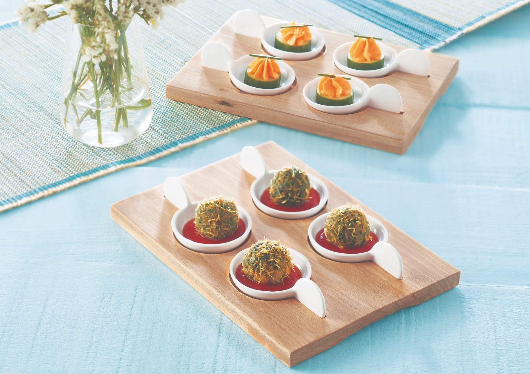 Songbird Hors D'Oeuvre Platter Platters in Natural Wood And White Colour by Songbird