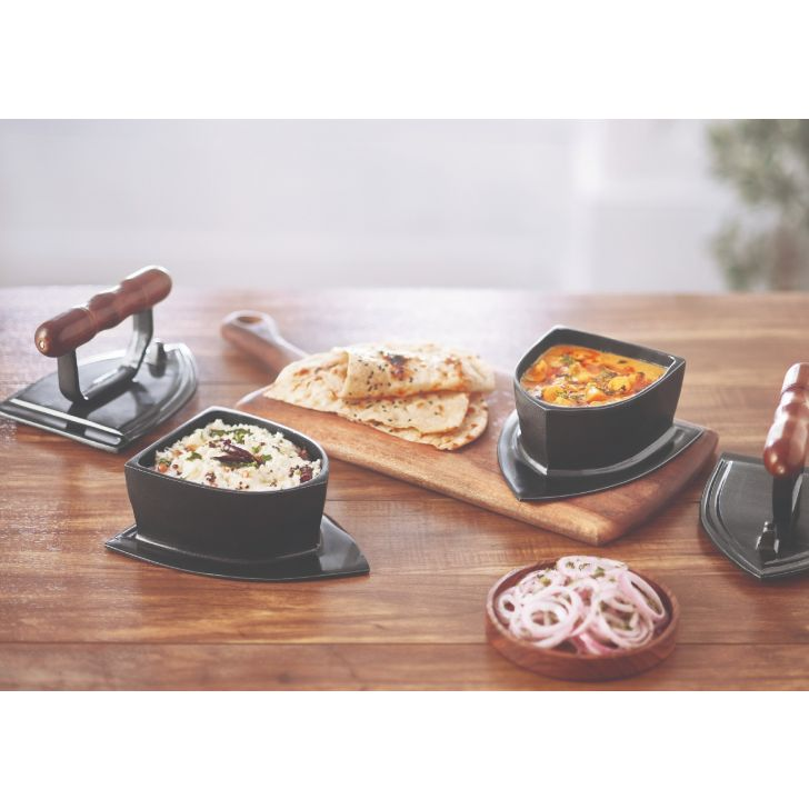 Iron Curry Server Metal Serving Sets in Black Colour by Songbird