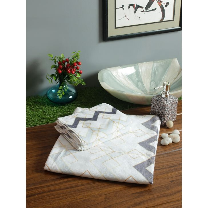 Nora Cotton Towel Set Of 3 in Grey Colour