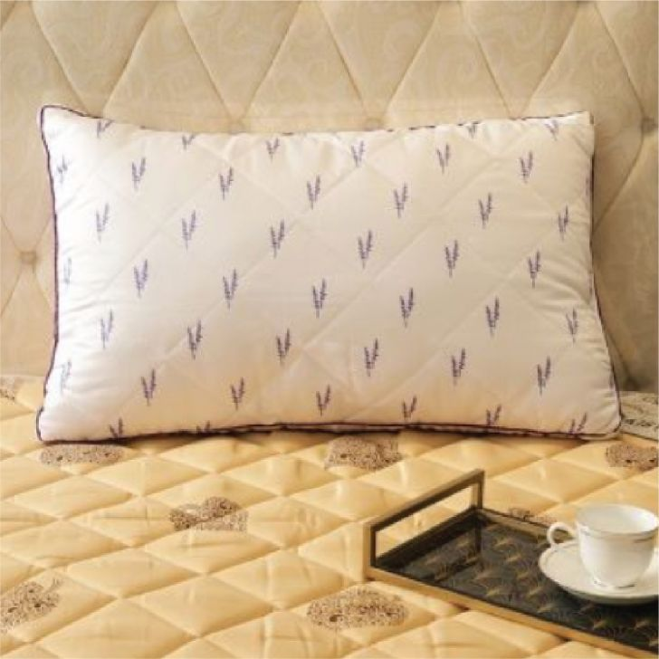 Lavender Pillow 46X68 Cm in White Colour by Living Essence