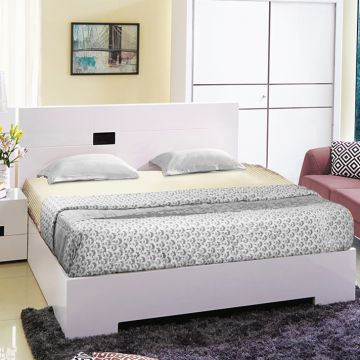 new style 178e0 e4271 Edwina Engineered Wood Hydraulic Storage King Size Bed in White Colour by  HomeTown