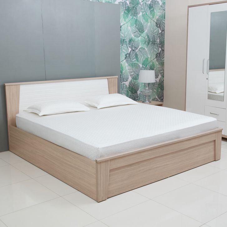 Jacquard Box Cotton Double Bedsheets in White Colour by Living Essence