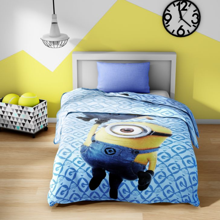 Spaces Universal Minions Sky Blue Cotton Single Comforter