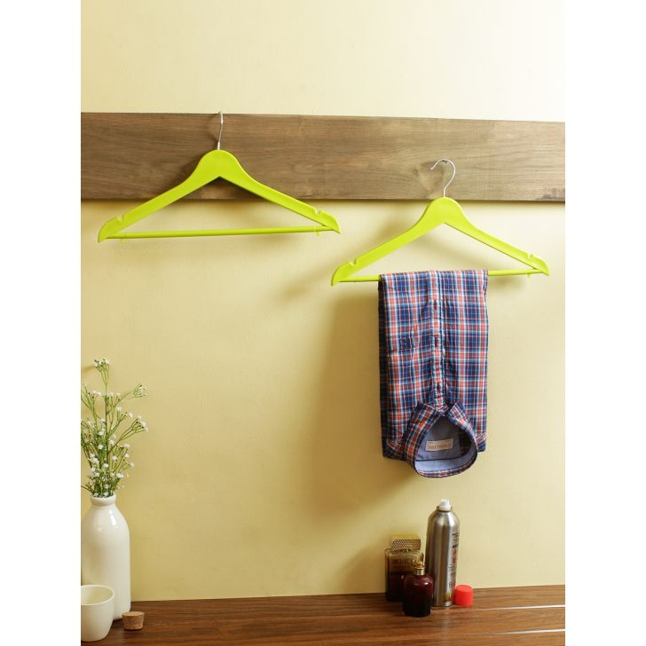 Living essence Plastic Hanger in Green Colour by Living Essence