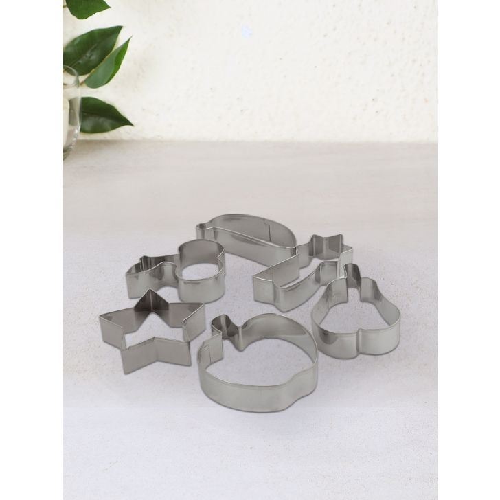 Steel Cookie Cutter Set of 6 Pcs in Silver Colour by Bergner