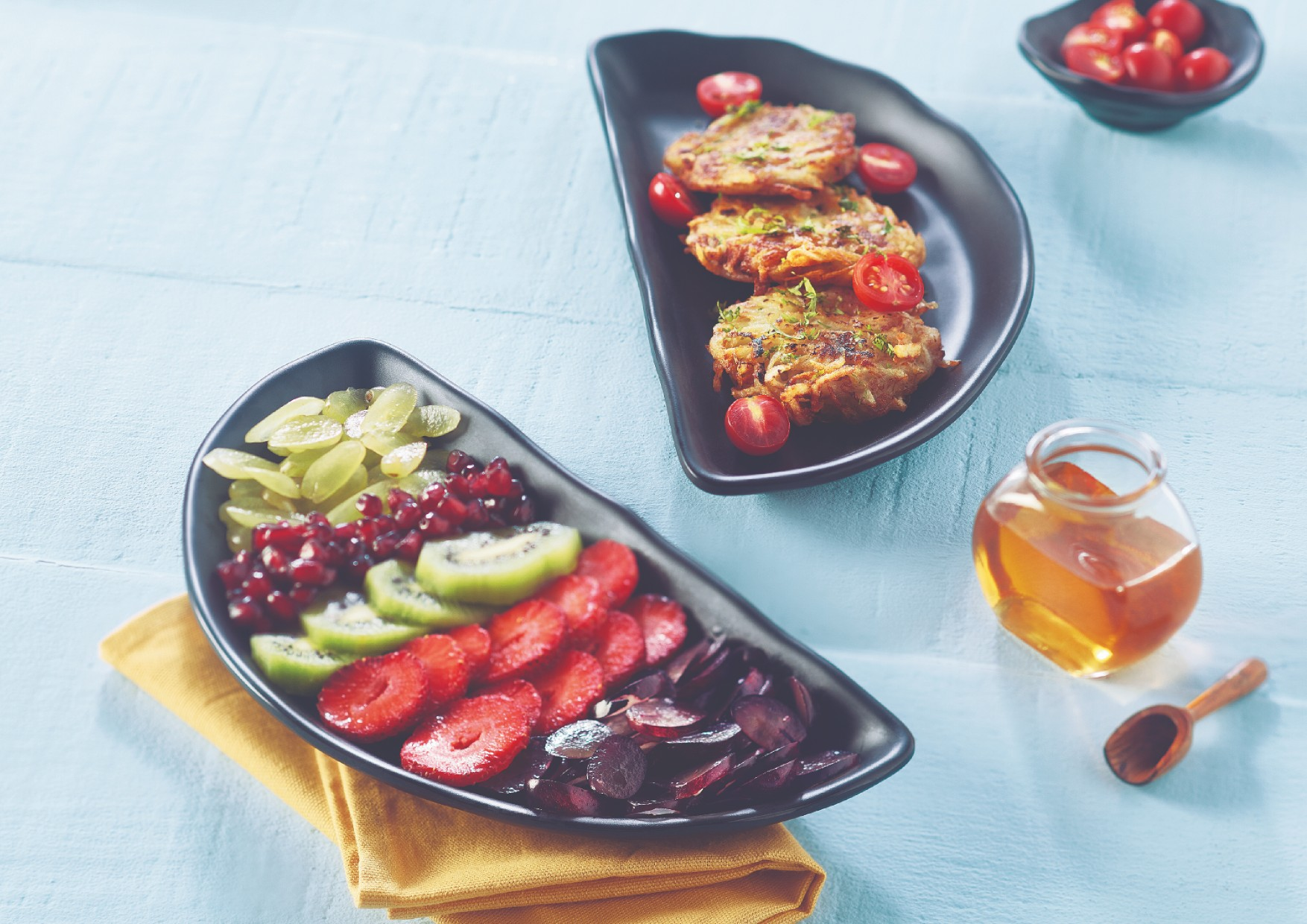 Songbird Arc Platter Set<br /> Blk Platters in Black Colour by Songbird