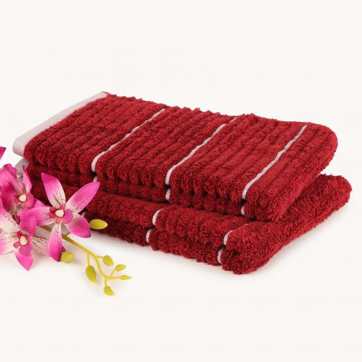 Spaces Exotica Garnet And Ivory Cotton Hand Towel Set Of 2