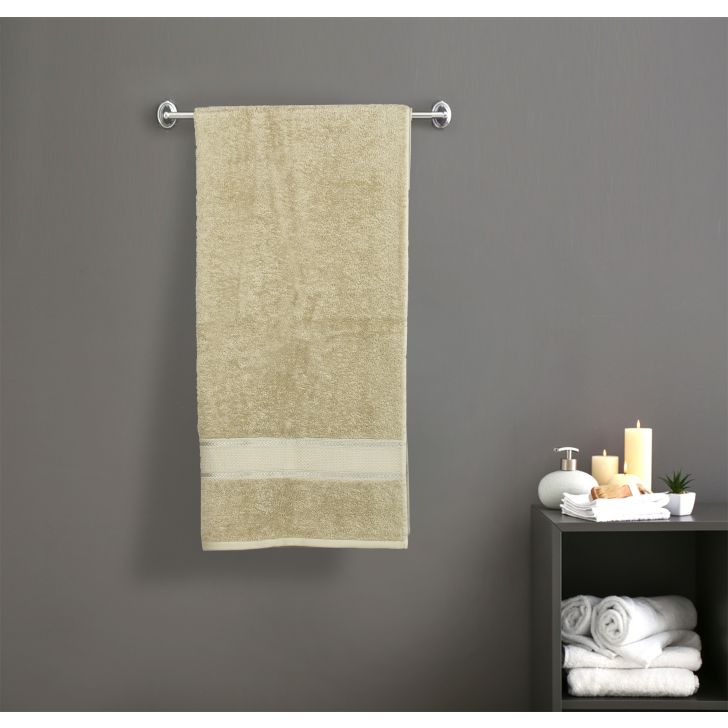 Spectrum Cotton Bath Towels in Green Colour by Cannon