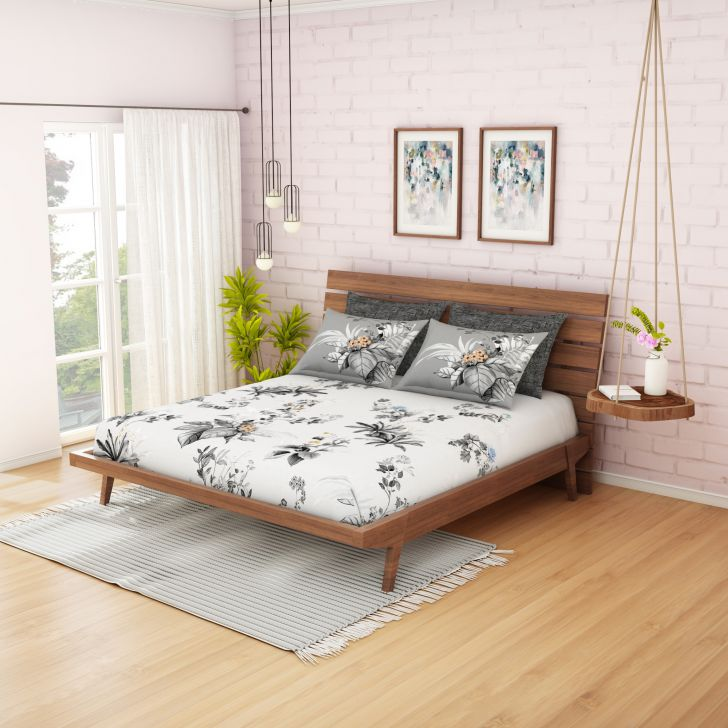 Spaces Strre Grey 300 Tc Printed Cotton Large Bedsheet With 4 Pillow Covers