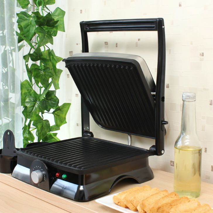 Wonderchef Super TandoorFamily Size by Chef Sanjeev Kapoor Stainless steel Toasters & Sandwich Makers in Silver & Black Colour by Wonderchef
