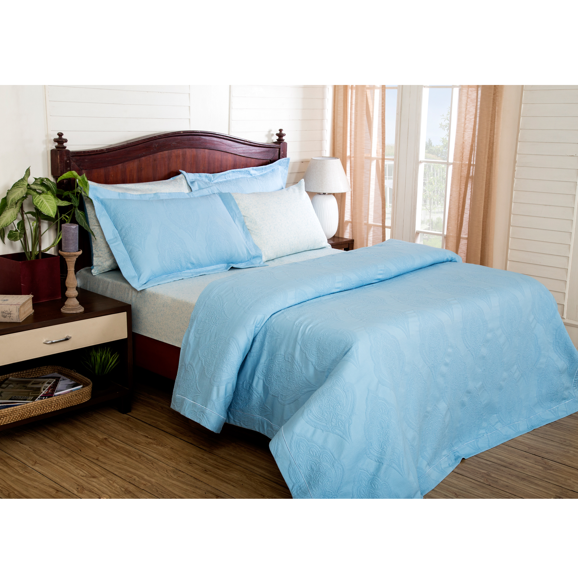 115 GSM Matlesse Sapphire Cotton King Size  Bed Cover in Blue Colour by Maspar