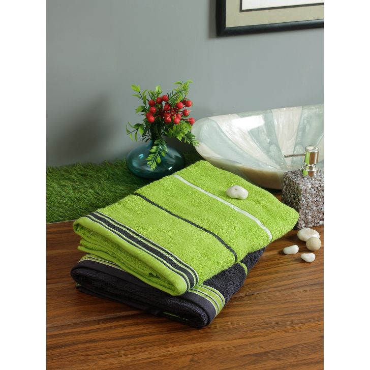 Set of 2 Emilia Cotton Bath Towels in Charcoal Lime Colour by Living Essence